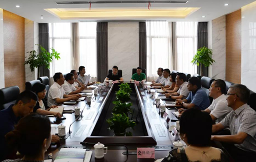 区委副书记王霄汉、副区长梅广清到国际龙8官网pt客户端调研